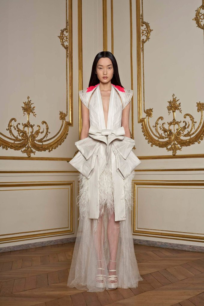 Givenchy Haute Couture SS 2011. Изображение № 5.