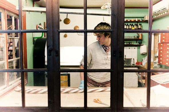 Mастерская по изготовлению леденцов polkagris в Гренне . Изображение № 16.