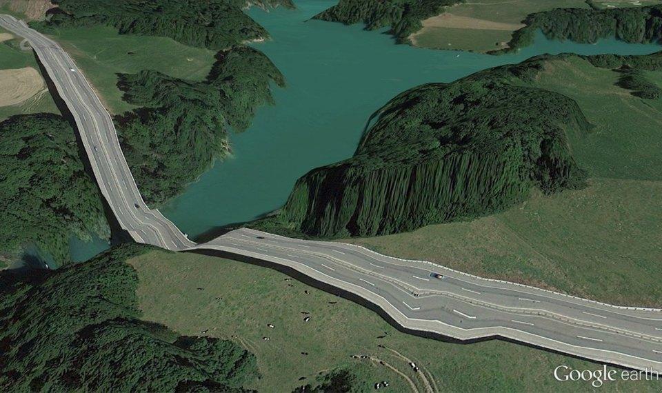 32 фотографии из Google Earth, противоречащие здравому смыслу. Изображение № 1.