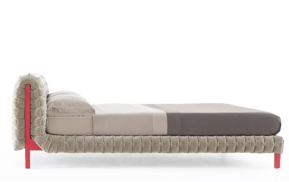 Кровать RUCHE от Inga Sempe. Изображение № 4.