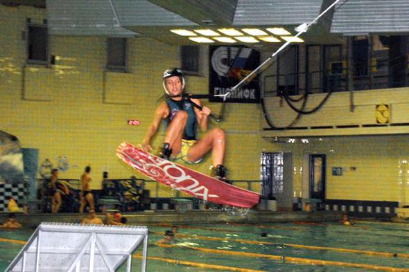 360 с гребом в бассейне у Веры Мироновой и Артема Верткова. Изображение № 17.