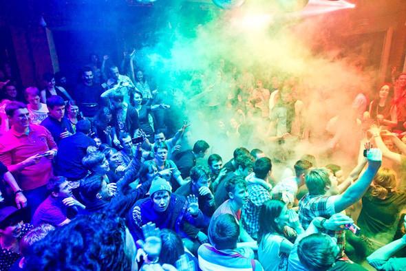 Прямая речь: Фотографы вечеринок о танцах, алкоголе и настоящем веселье. Изображение № 40.