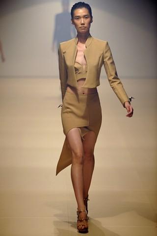 Сезон весна-лето 2012 :10-ка лучших женских костюмов с юбкой. Изображение № 10.