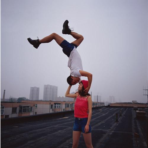Летающие и падающие люди Ли Вея. Изображение № 5.