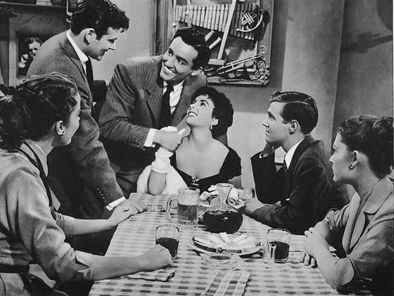 Rhapsody (1954 )Charles Vidor, Elizabeth Taylor, Vittorio Gassman and John Ericson.. Изображение № 17.