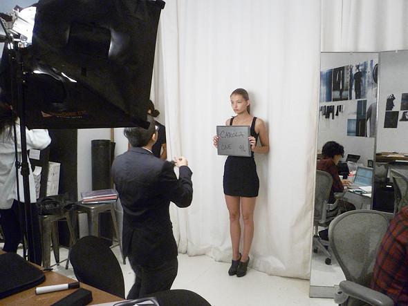 Дневник модели: Разговор с новым лицом Prada, съёмка и снова «Старбакс». Изображение № 22.