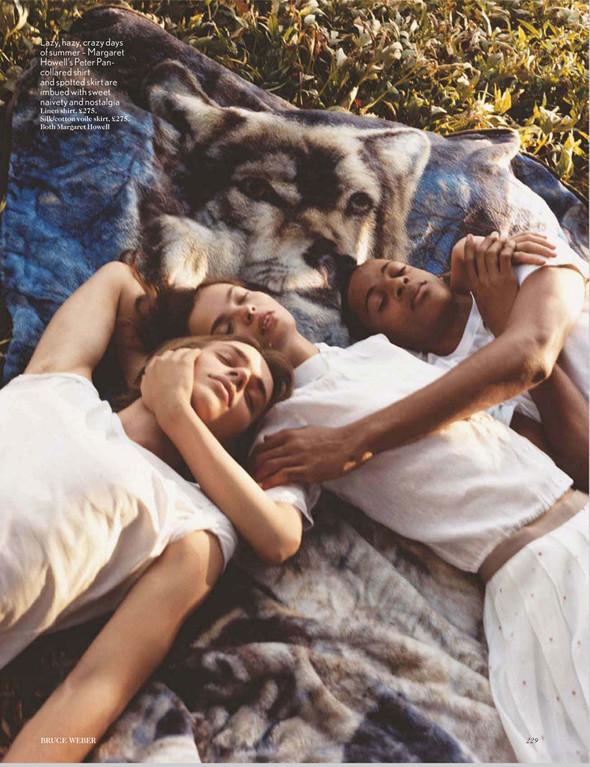 Съёмки: Harper's Bazaar, Interview, Vogue и другие. Изображение № 18.