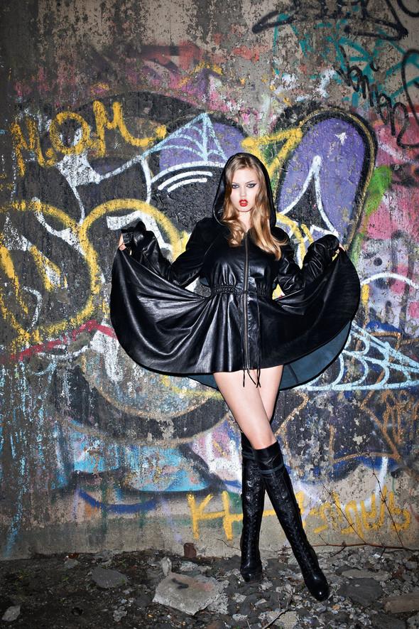 Съёмка: Линдси Уикссон в объективе Терри Ричардсона для Purple Fashion. Изображение № 1.