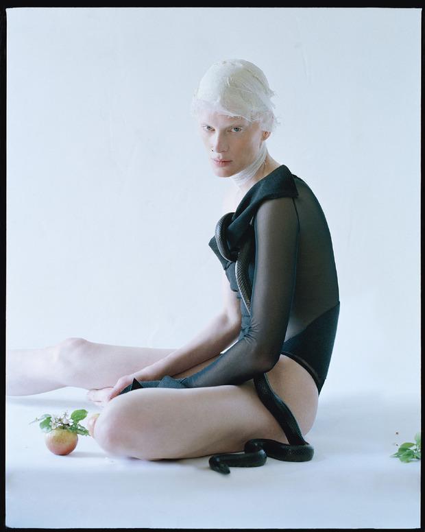 Новые съемки Dazed & Confused, Vogue, i-D и W Magazine. Изображение № 83.