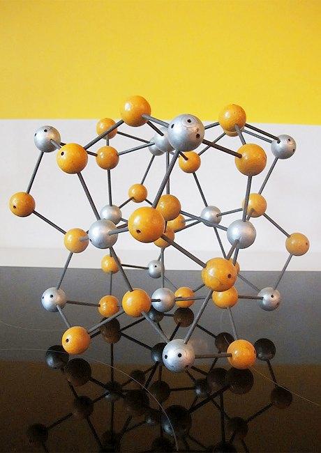 Как дизайнеры вдохновляются наукой: Молекулы и атомы  в интерьере. Изображение № 21.