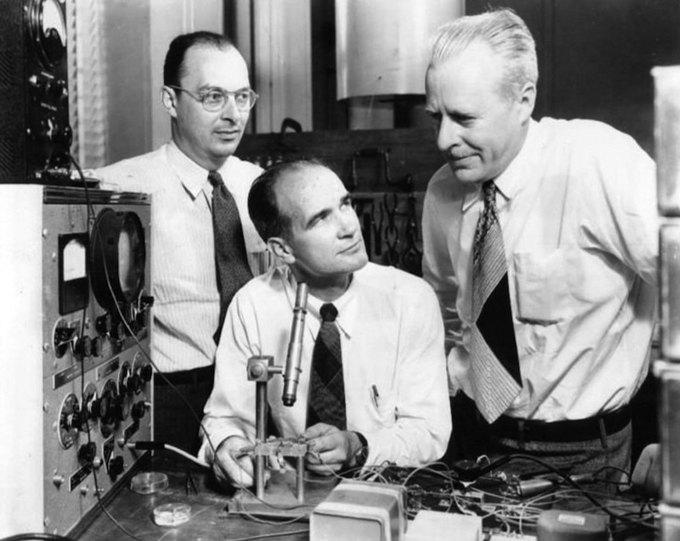 Уильям Шокли и его команда из Пало-Альто, которая в 1947 году изобрела первый в мире транзистор. Изображение № 14.
