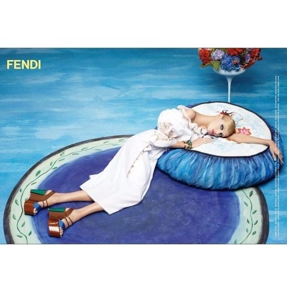 Изображение 1. Рекламные кампании: Fendi, Pepe Jeans и Trussardi 1911.. Изображение № 1.