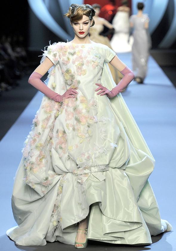 Dior Couture 2011. Изображение № 2.