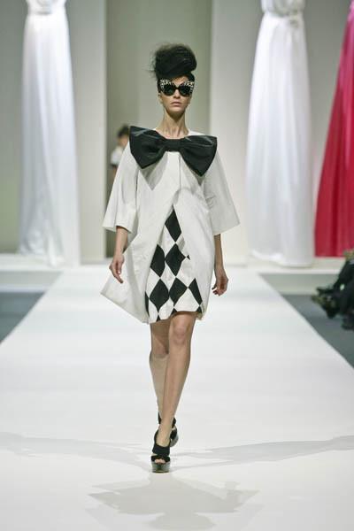 Moschino : шутник ихулиган итальянской моды. Изображение № 3.