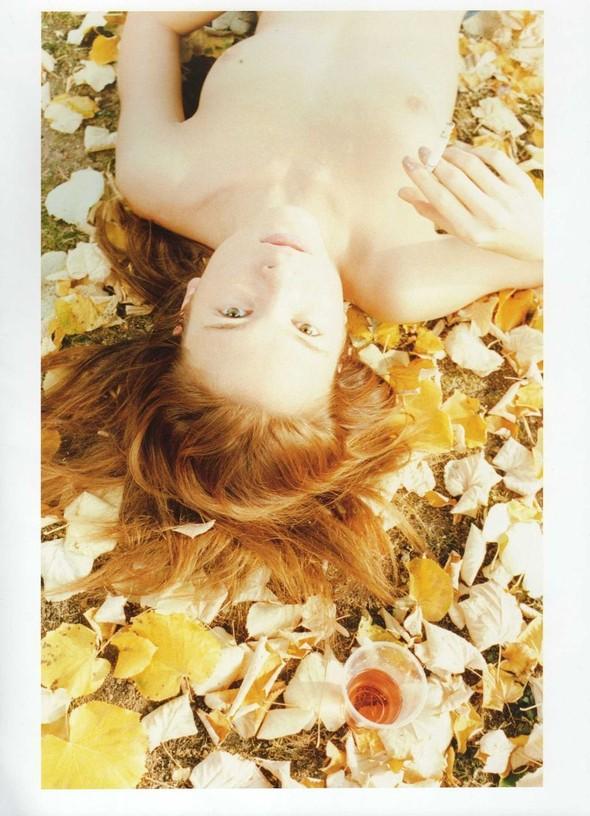 Съёмка: Ирина Куликова для 032c. Изображение № 24.