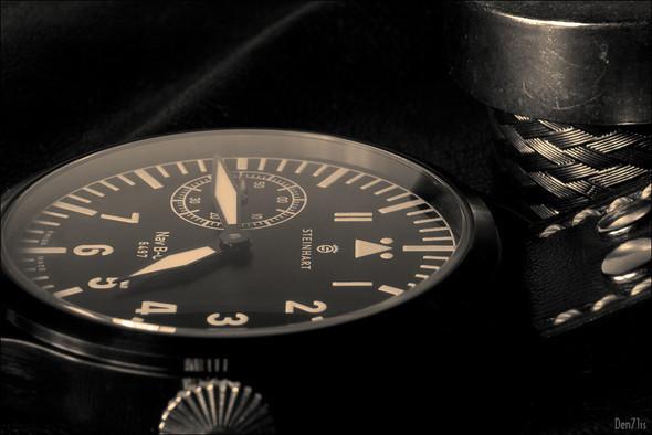 Steinhart Nav B-Uhr black. 370 EUR (19% VAT incl.). Изображение № 50.
