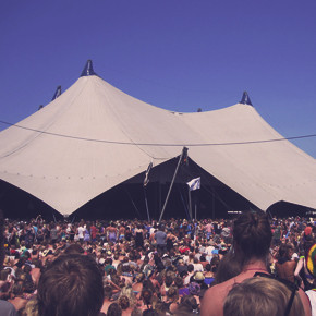 Фестиваль Roskilde в Дании: Бег голышом, гигантские шатры и резиновые сапоги . Изображение №26.