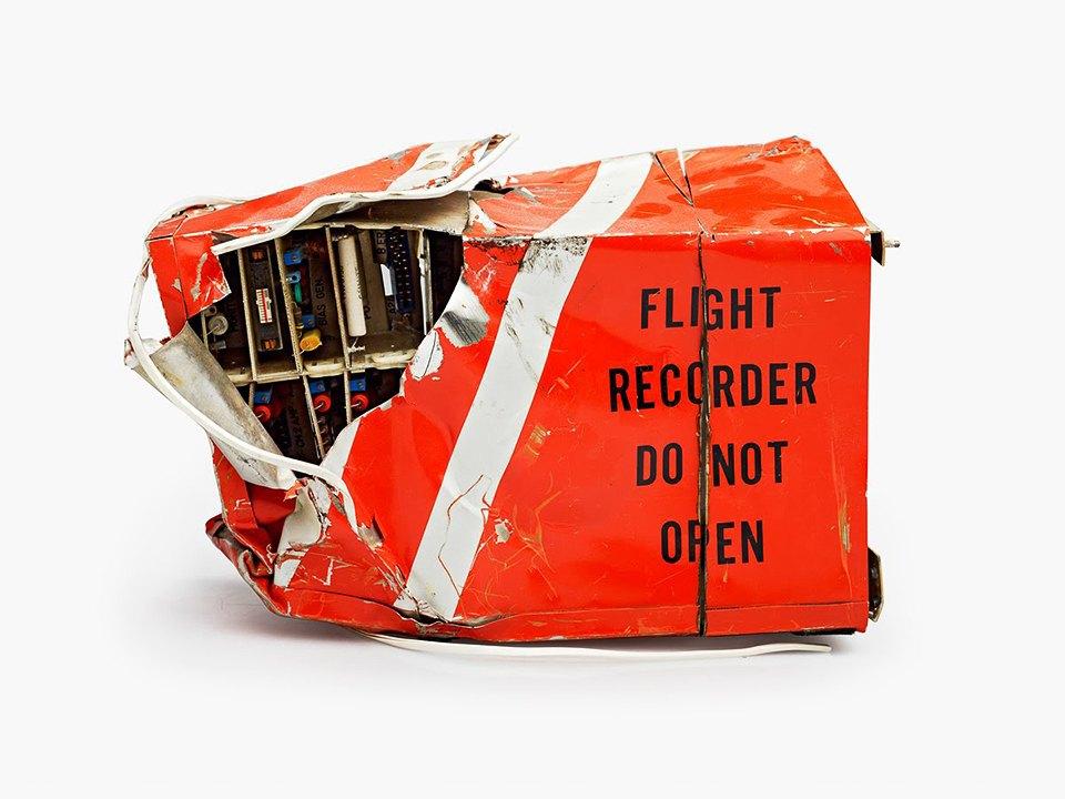 Фотографии «чёрныхящиков»  после авиакатастроф. Изображение № 1.