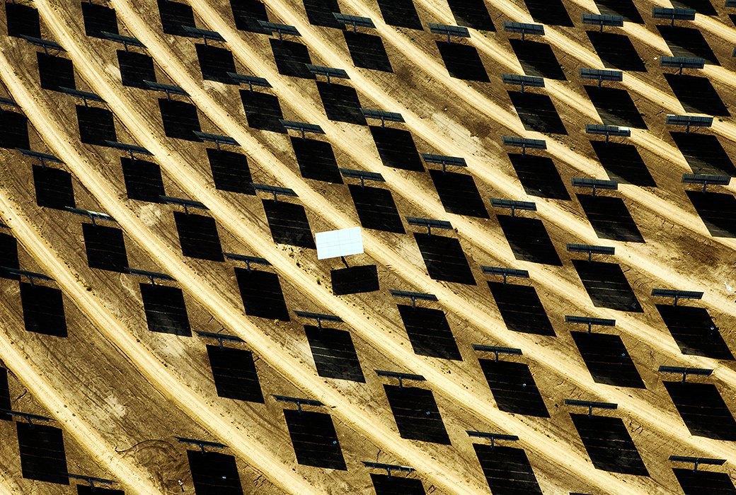 Как выглядит будущее: сотни гектаров солнечных ферм. Изображение № 3.