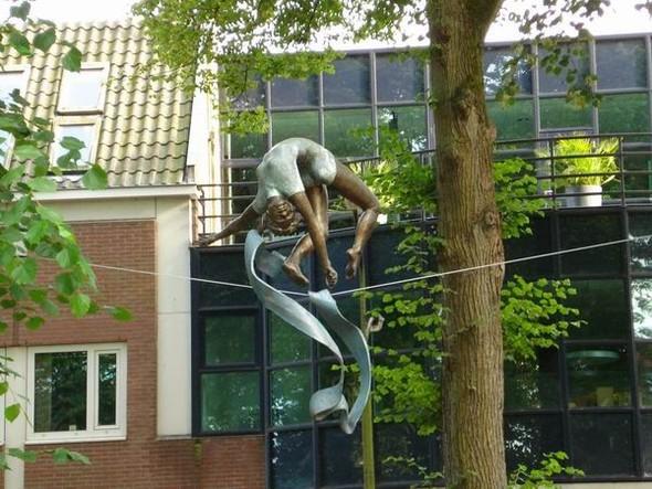 Скульптуры Джерзи Кедзиоры, парящие в воздухе. Изображение № 53.