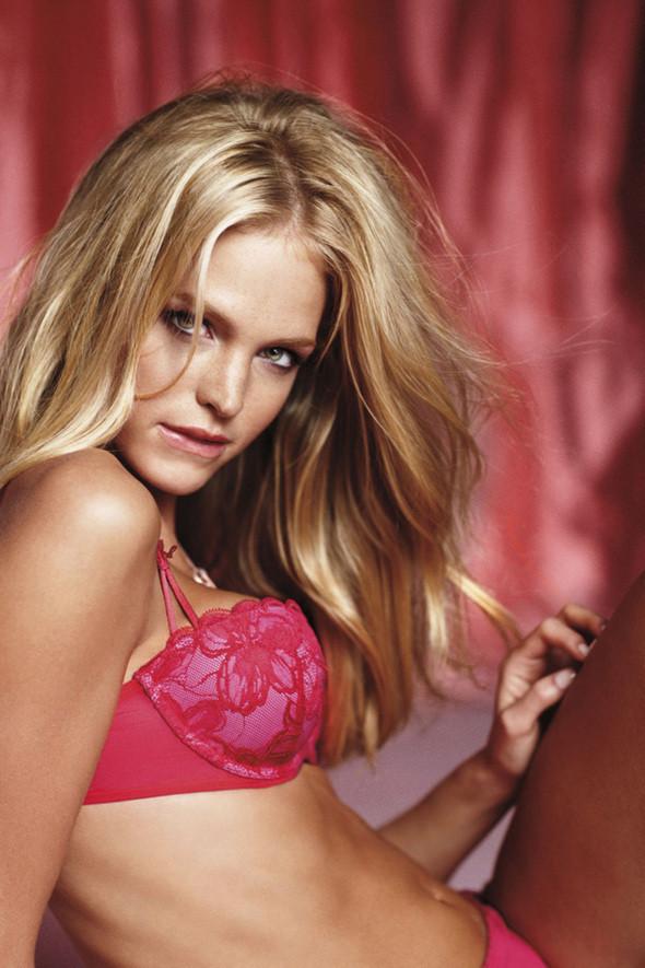 Изображение 3. Рекламная кампания Victorias Secret: День святого Валентина.. Изображение № 3.