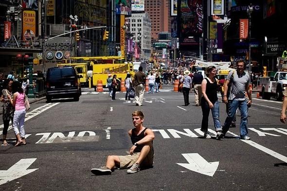 Площадь Таймс-сквер стала пешеходной. Изображение № 8.