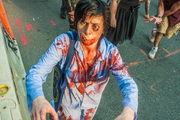 Зомби парад в Нью Йорке. NYC Zombie Crawl.. Изображение № 33.