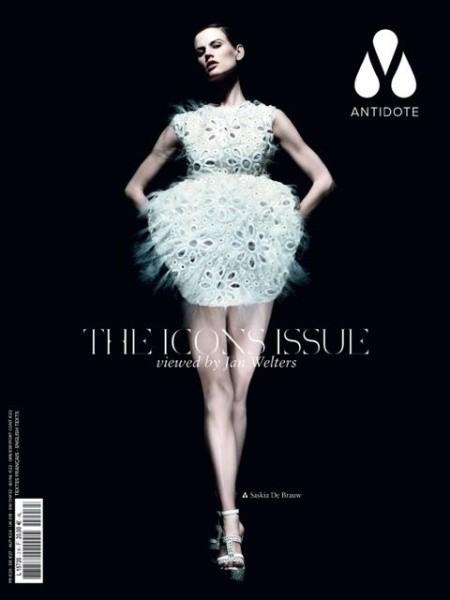 40 обложек с вещами из коллекции Louis Vuitton SS 2012. Изображение № 1.