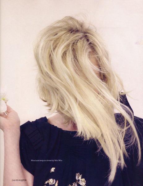 Съёмка: Кирстен Данст для Elle. Изображение № 6.
