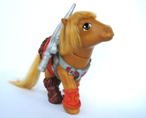 MyLittle Pony играют вкино. Изображение № 5.