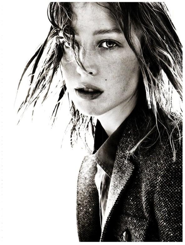 Съёмка: Ракель Зиммерманн для Vogue. Изображение № 8.