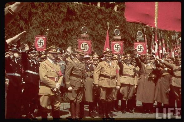 100 цветных фотографий третьего рейха. Изображение №38.