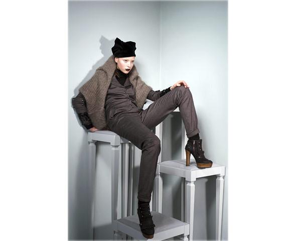 Новые коллекции: Acne, Dior, Moschino, Viktor & Rolf. Изображение № 40.