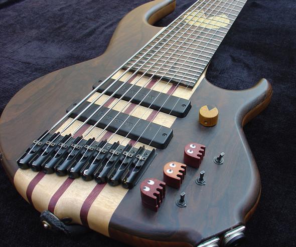 Необычные бас-гитары prt.2. Изображение № 9.