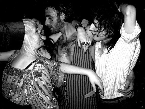Короли вечеринок: 10 фотографов, снимающих светские и молодежные тусовки. Изображение № 100.