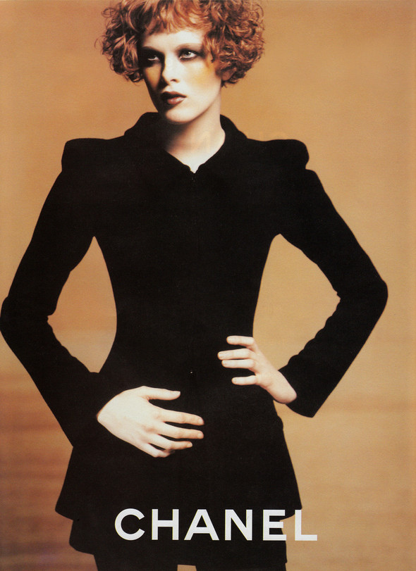 Архивная съёмка: Карен Элсон для кампании Chanel за 1997 год. Изображение № 2.