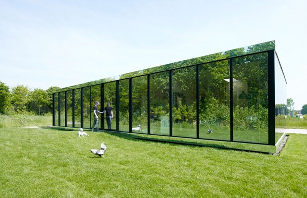 В Амстердаме построили зеркальный дом. Изображение № 1.