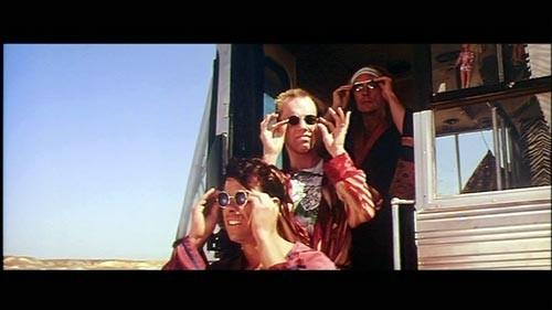 Приключения Присциллы, королевы пустыни, 1994. Изображение № 16.