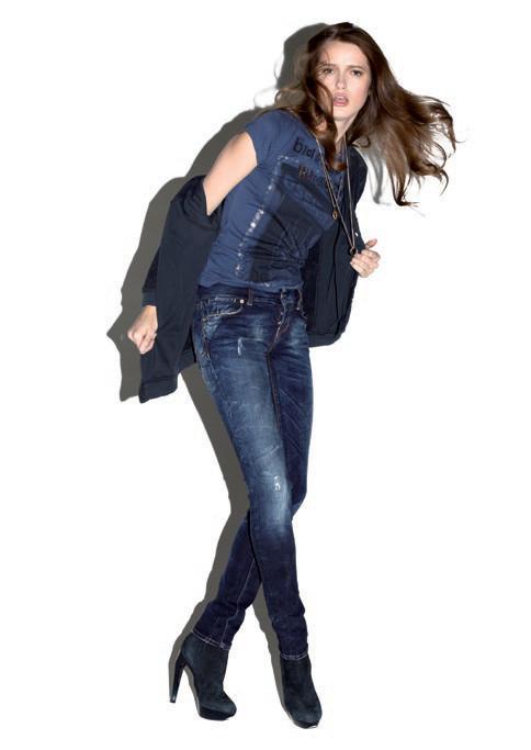 2 Men Jeans, Two Women In The World – идеальная пара найдена. Изображение № 3.
