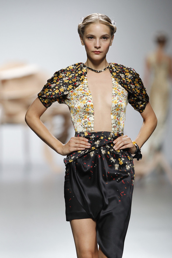 Madrid Fashion Week SS 2012: Ana Locking. Изображение № 28.