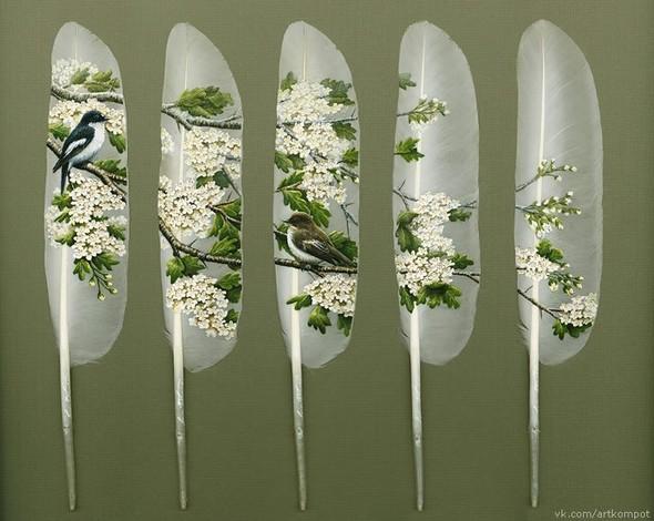 Рисунки на перьях от Ян Дави. Изображение № 1.