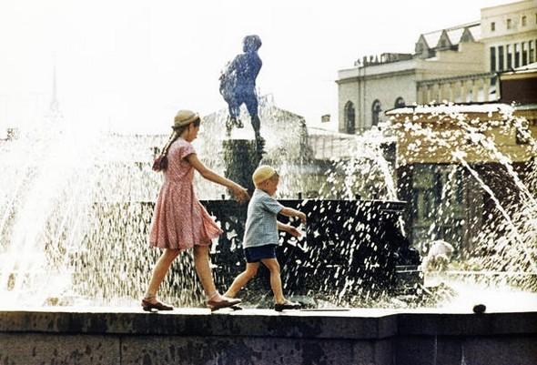 Москва, фотнтан, 1960 г.. Изображение № 232.
