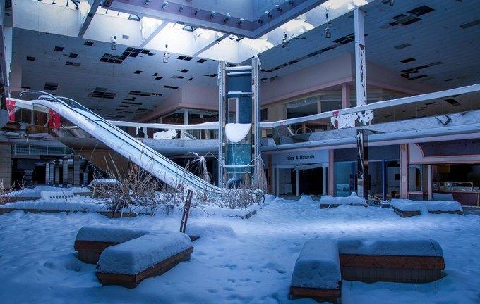 Фото: заброшенный торговый центр в США. Изображение № 15.