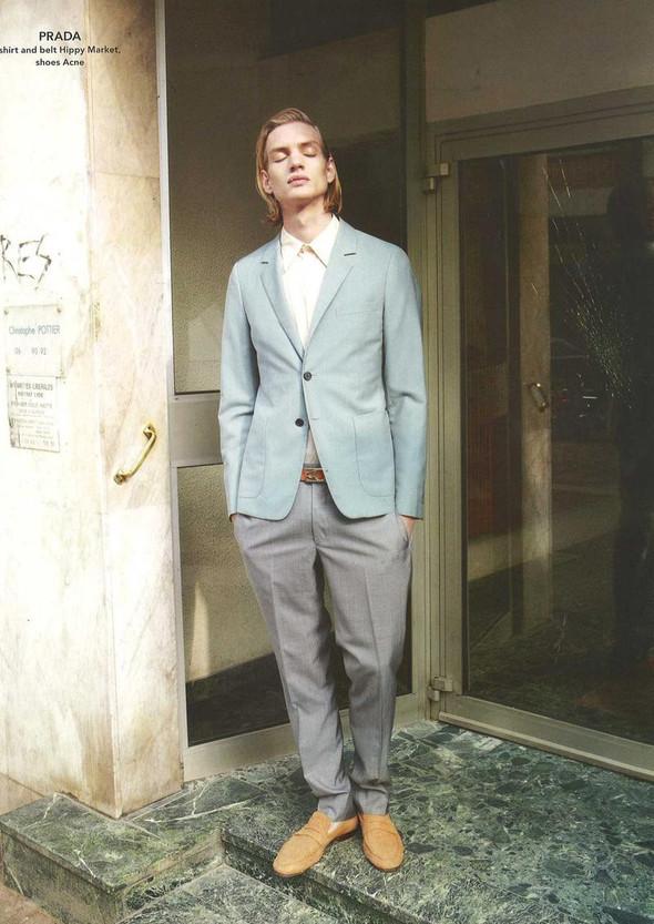 Мужские съёмки: Джек Уайт для Interview, Тони Уорд для GQ и другие. Изображение № 26.