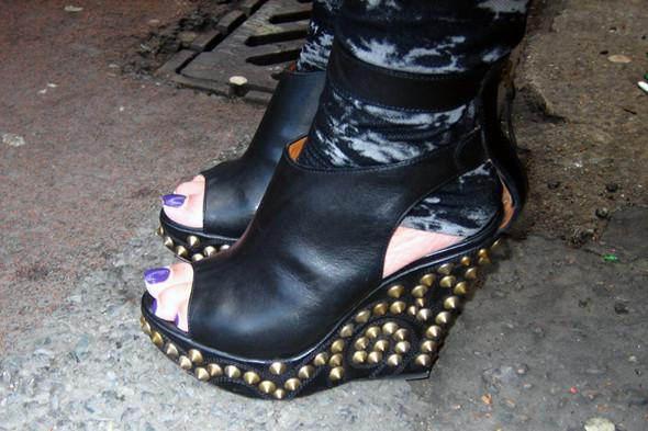 Обувь на неделе моды в Лондоне. Изображение № 14.