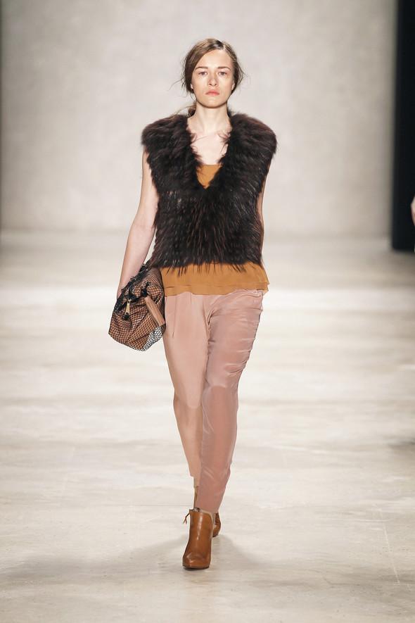 Berlin Fashion Week A/W 2012: Schumacher. Изображение № 8.