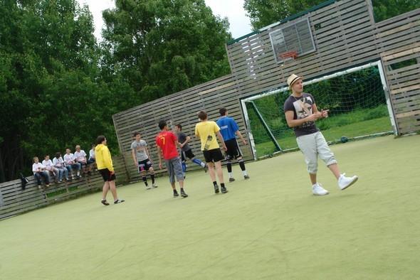 Гимн ЧМ по футболу «Wavin Flag» теперь и на русском!. Изображение № 3.