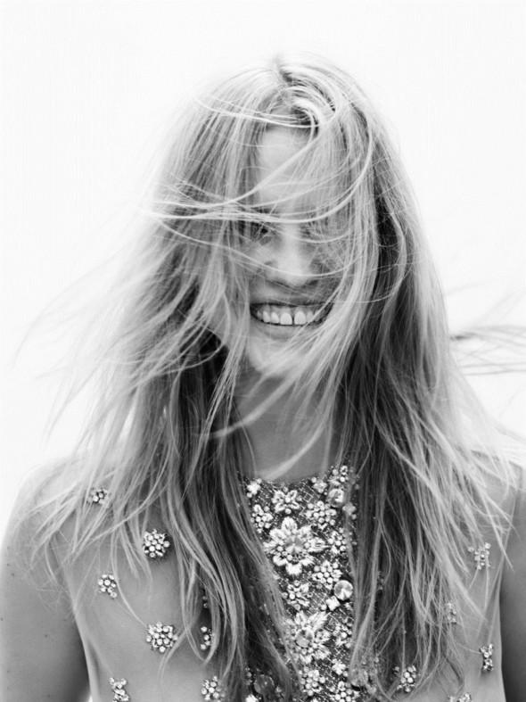 Новые съемки: Vogue, Nylon и другие. Изображение № 44.