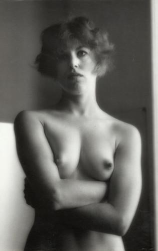 Части тела: Обнаженные женщины на винтажных фотографиях. Изображение № 104.