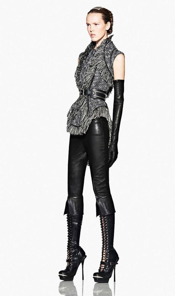 Лукбук: Alexander McQueen FW 2011. Изображение № 14.